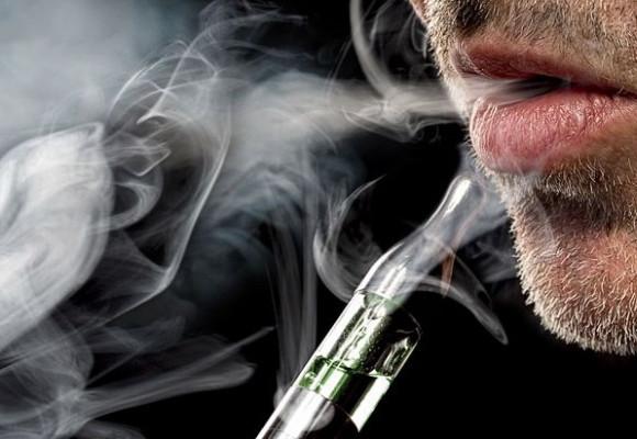 Muchos consideran que el vapeo es peor que el tabaquismo